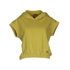jijil yellowish sweatshirt